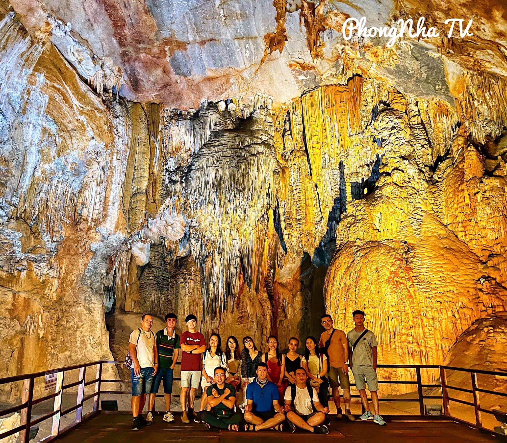 Động Thiên Đường - Phong Nha Smile Travel